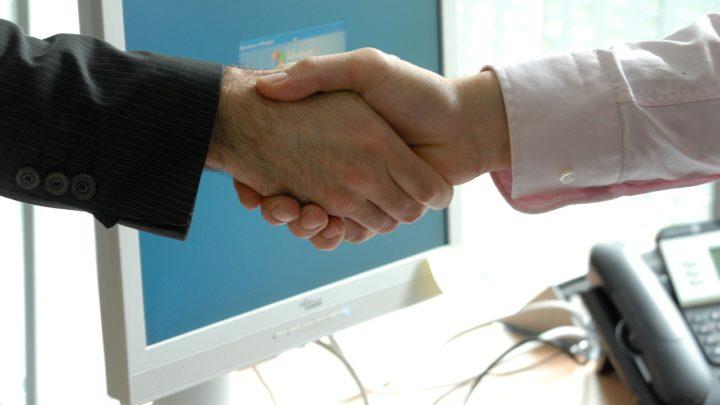 Comment les vendeurs B2B maintiennent-il l'engagement des acheteurs ?